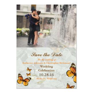 Romanze Kuss der Paare im Brunnen/im Schmetterling Karte