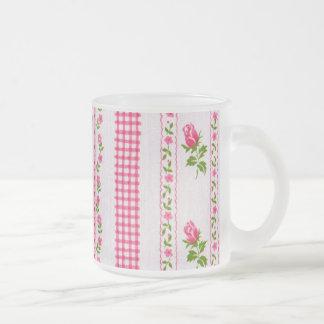 Rosa Blumen-Tapeten-Tasse Matte Glastasse