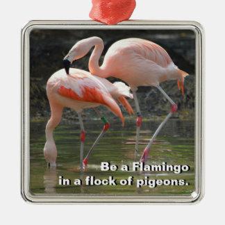 Rosa Flamingos Quadratisches Silberfarbenes Ornament