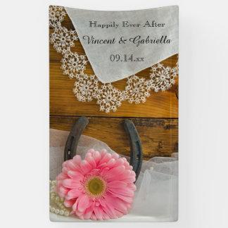 Rosa Gänseblümchen-und Hufeisen-Land-Hochzeit Banner