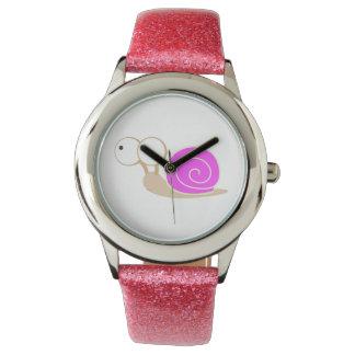 Rosa geschälte Schnecke Uhren