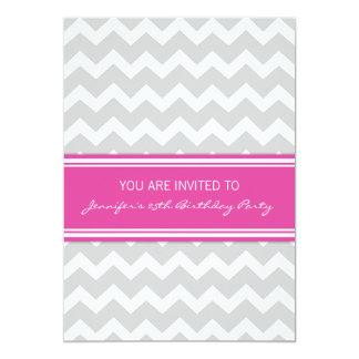 Rosa graue Zickzack 25. Geburtstags-Party Personalisierte Einladungskarte