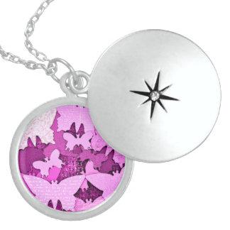 Rosa Schmetterlings-Träume Medaillon