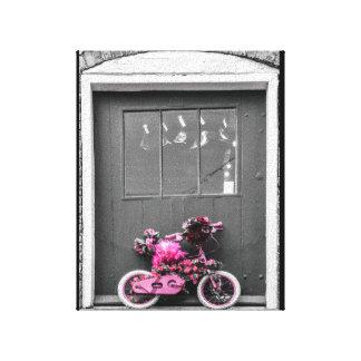 Rosa verzierte das Fahrrad des Kindes Leinwanddruck