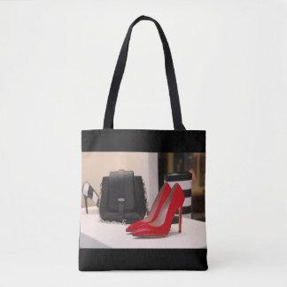 Rote hohe Fersen-Schuh-und