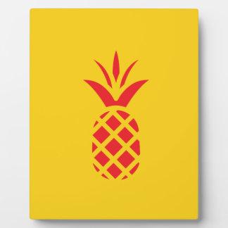 Rote Kiefer Apple im Gelb Fotoplatte