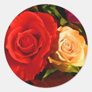 Roter gelber Rosen-Aufkleber - kundengerecht