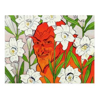 Roter Teufel, der unter weißen Osterlilien sich Postkarte