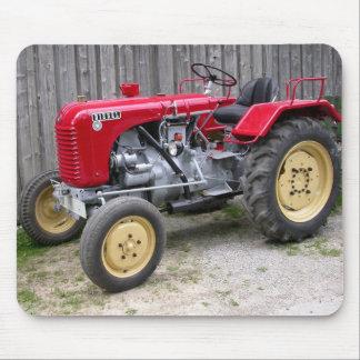 Roter Traktor Mousepad