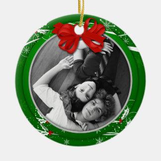 Rotes grünes Stechpalmen-Band-1. WeihnachtsFoto | Keramik Ornament