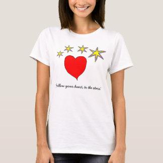 Rotes Herz und vier gelbe Sterne T-Shirt