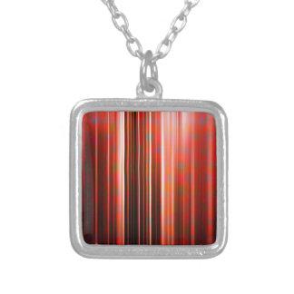 Rotes Muster der hellen Streifen Versilberte Kette