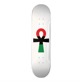 Rotes, schwarzes u. grünes Ankh 20,1 Cm Skateboard Deck