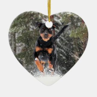 Rottweiler, das in Winter-Schnee Verzierung-Laufen Keramik Ornament