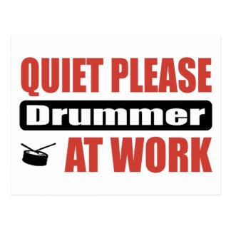 Ruhe-bitte Schlagzeuger bei der Arbeit Postkarte