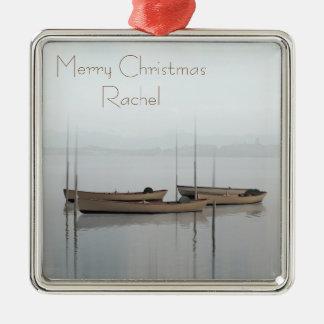 Ruhige Szenenboote in einer ruhigen Bucht Silbernes Ornament