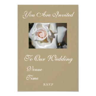 Rustikale beige weiße Rosen-Hochzeits-Einladung 8,9 X 12,7 Cm Einladungskarte