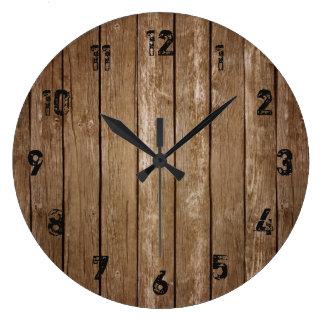 Rustikale hölzerne Blick-Planken-große Uhr