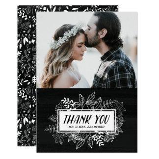 Rustikaler Chic-weiße Blumen auf Tafel danken 12,7 X 17,8 Cm Einladungskarte