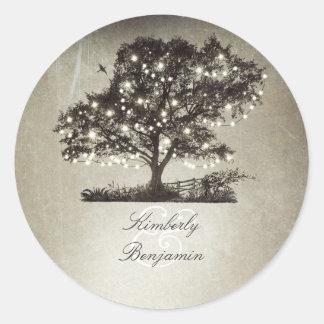 Rustikaler Wedding Landschafts-Baum und Lichter Runder Aufkleber