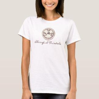 Rustikales glückseliges Triskele T-Shirt