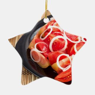 Salat der roten und gelben Tomate Keramik Ornament