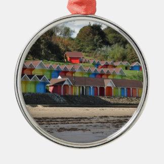 Scarborough-Strand-Hütten Rundes Silberfarbenes Ornament