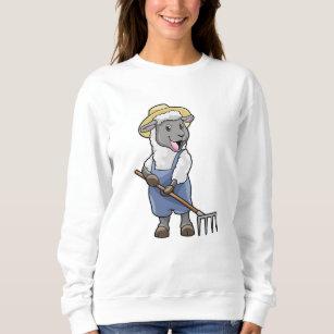 Schafe als Bauer mit Rake & Hat Sweatshirt