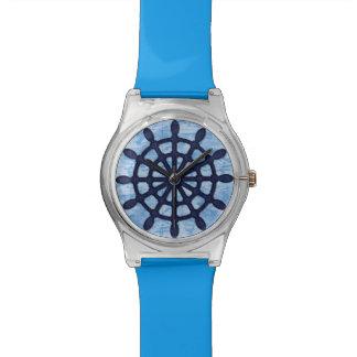Schiffs-Helm-hölzerner Rad-blauer Seeseemann-alte Uhr