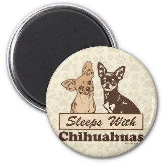 Schlaf mit Chihuahua Runder Magnet 5,7 Cm