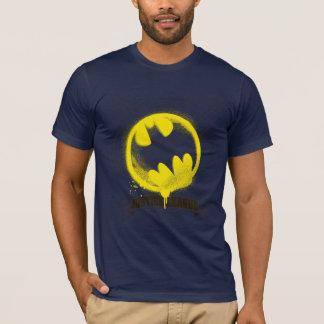 Schläger-Symbol etikettiert über T-Shirt