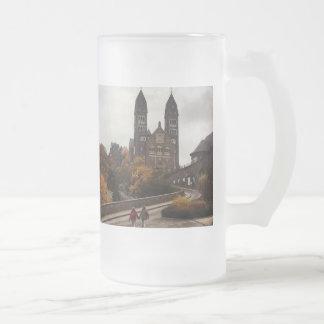 Schloss-Besichtigungs-Weg Luxemburgs Clervaux Mattglas Bierglas