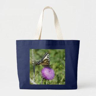 Schmetterling auf lila Disteltasche Jumbo Stoffbeutel
