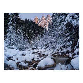 Schneebedeckter Geisler Gebirgszug Postkarte