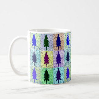 Schneeflocken auf Pop-Kunst-Bäumen Tasse