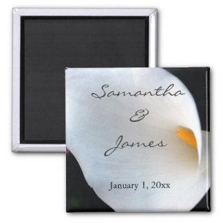 Schöne weiße Calla-Lilien-personalisierte Hochzeit Quadratischer Magnet