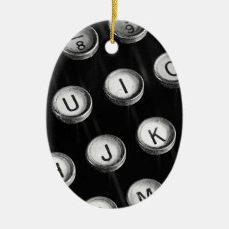 Schreibmaschinentasten Ovales Keramik Ornament