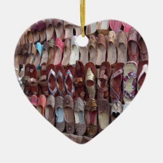 Schuhe in Indien Keramik Herz-Ornament