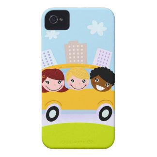 Schulkinder im gelben Bus iPhone 4 Etuis