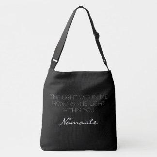 Schwarz-weiße Typografie Namaste Inspirational Tragetaschen Mit Langen Trägern