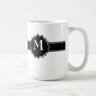Schwarz-weißes mit Monogramm Tasse