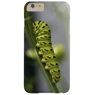 Schwarze Frack-Raupe (parsleyworm) auf verdünntem Barely There iPhone 6 Plus Hülle