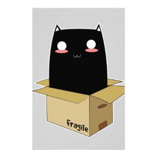 Schwarze Katze in einem Kasten Briefpapier