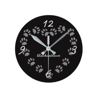 Schwarze Katzen-Liebe-Tatze druckt Herz-Wand-Uhr Runde Wanduhr