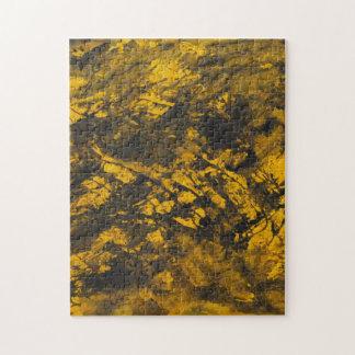 Schwarze Tinte auf gelbem Hintergrund Puzzle
