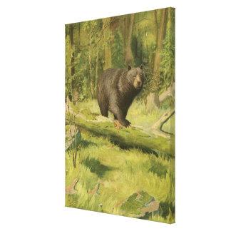 Schwarzer Bär, der auf einen Baum-Stamm tritt Galerie Falt Leinwand