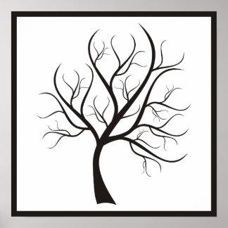 Schwarzer Baum auf weißem Plakat