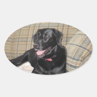 Schwarzer Labrador-Aufkleber Ovaler Aufkleber