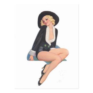 Schwarzer MantelVintage Pinup-Pose Postkarte