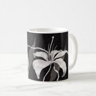 Schwarzer u. weißer Lilly Tasse